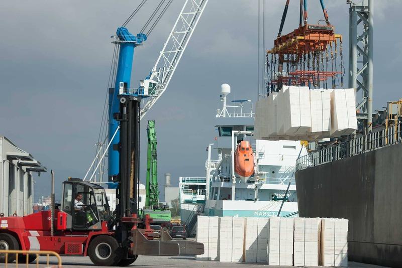 El Puerto, referencia en España en el tráfico de pasta de papel