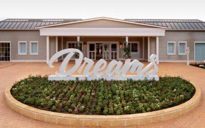 PortAventura Dreams, una iniciativa pionera en Europa, abre sus puertas y recibe a sus primeras familias