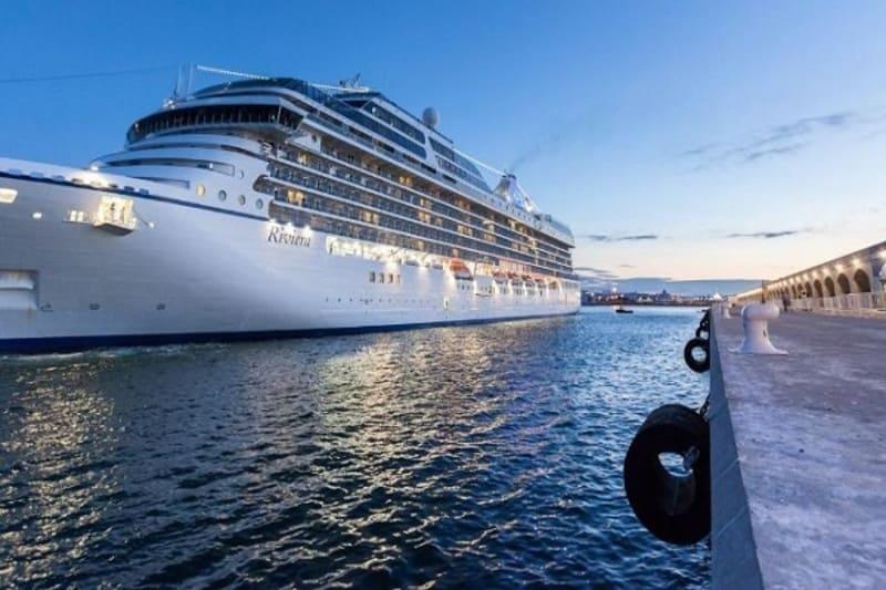 Seis grupos empresariales optan a construir la primera fase del muelle Baleares del Puerto