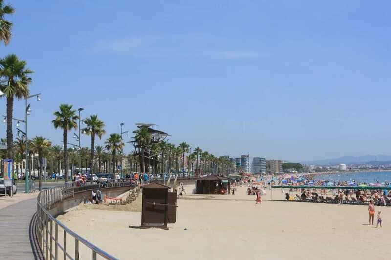 El Puerto paraliza todas las licitaciones excepto el dragado de la playa de La Pineda y la reconstrucción del espigón del Racó